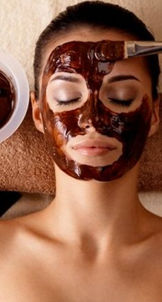 Ever try using coffee as a mask? It works to erase wrinkles and get you clear, beautiful skin quickly