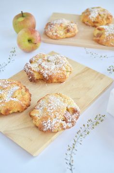 Fast apple thaler- Schnelle Apfel-Taler Recipe for apple taler from quark oil dough - Apple Recipes, Baking Recipes, Chocolate Cake From Scratch, Healthy Dessert Recipes, Cupcake Recipes, Healthy Food, Homemade Chocolate, Cake Chocolate, Food Cakes
