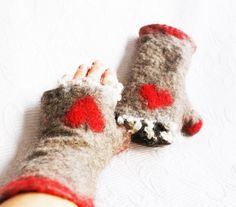 Felted Raw Norwegian Wool Mittens w/ Heart windproof warm Arm Warmers One-of -a- kind gift ideas Fingerless Gloves Handmade in Norway  I make arm warmers or mittens in different sizes. (the same price) (Order takes about -3-4 days) Size : ( Dia.) XS 15 cm / 6 inches S 18 cm / 7 inches M 20 cm / 8 inches L 23 cm / 9 inches XL 25.5 cm / 10 inches  Norwegian wool - the wool from Pelssau (a crossing of grey Norwegian Spelsau and Swedish Gotland sheep)  Wool is warmin... Fingerless Mittens, Sheep Wool, 6 Inches, Arm Warmers, Norway, Christmas Stockings, Arms, Gift Ideas, Trending Outfits