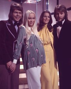 ABBA (ft. a little soon-to-be-born Linda) during the Swedish national song contest in 1973. They performed the song Ring Ring and ended up at the 3rd place. A year later ABBA had more success with Waterloo. Frida made the girls' stage costumes for this performance ✨ #ABBA #björnulvaeus #agnetha #agnethafältskog #lindaulvaeus #fridalyngstad #annifridlyngstad #frida #annifrid #bennyandersson #melodifestivalen #ringring #1973 #retro #seventies #70's #fashion #music #photo #song #performance…