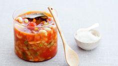 Minestronesuppe med bønner og parmesan