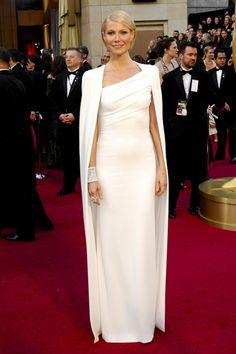 L'actrice portait une robe de la collection automne-hiver 2012-2013 lors de la 84ème cérémonie des Oscars à Los Angeles.