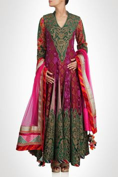This anarkali frock suit is designed in two different self-printed fabric. Neck and hemline of this anarkali frock suit have green and golden zari patch work which makes this suit a royal wedding suit Indian Attire, Indian Ethnic Wear, Indian Dresses, Indian Outfits, Anarkali Frock, Anarkali Suits, Punjabi Suits, For Elise, Sari