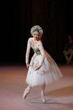 Olga Stebletsova.  Is this 'Raymonda'?