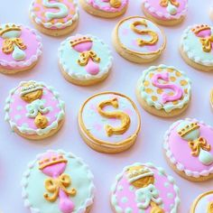 The most elegant baby shower cookies! And they're mint flavored!  @mindysbakeshop [Circle Cookie Cutter] #cookiecutterkingdom