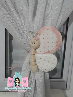 Diy Home Crafts, Crafts To Do, Diy Craft Projects, Doll Face Paint, Felt Animal Patterns, Unicorn Ornaments, Ring Pillow Wedding, Felt Decorations, Baby Keepsake