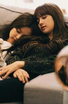 Jennie & Lisa