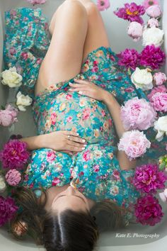 Maternity Milk Bath Shoot Kate E. Photography @kateephotography25