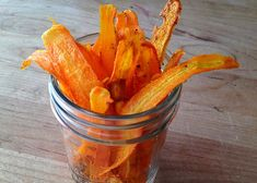 Carrot Chips - While it's hard to beat the sweet and earthy flavor of our Nantes carrots enjoyed raw, it's a fun treat to turn a few into savory chip sticks. Veggie Recipes, Vegetarian Recipes, Snack Recipes, Healthy Recipes, Carrot Recipes, Carrot Chips, Healthy Snacks, Healthy Eating, Get Thin