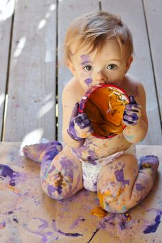 Edible paints for babies and toddlers, A great sensory activity for a 1 year old.