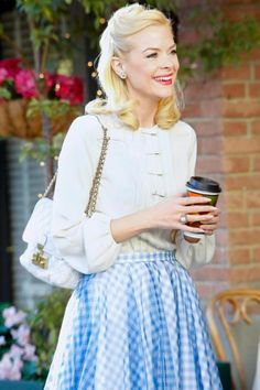 Seen on Celebrity Style Guide: Hart of Dixie Fashion: Jaime King, as Lemon Breeland, wore a Diane von Furstenberg Novalee Top and a Jil Sander skirt on Hart of Dixie 'Where I Lead Me' Jamie King, Hart Of Dixie, Style Preppy, My Style, King Style, Retro Style, Hair Style, Vintage Style, Celebrity Style Guide