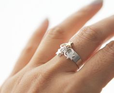 Yesterday Today & Tomorrow tri-star adjustable ring