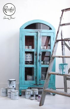 Provence Chalk Paint® on Cabinet by Annie Sloan Painter in Residence Simon Olsson