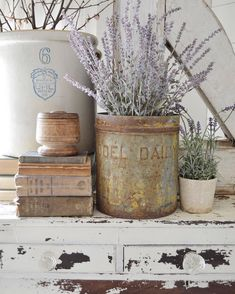 Shabby Chic home decor information number 3598804631 to plan with for a truly smashing, exciting bedroom. Why not pop by the shabby chic inspiration home decor website at once for additional information. Shabby Chic Kitchen, Shabby Chic Homes, Shabby Chic Decor, Rustic Decor, Antique Farmhouse, Country Farmhouse Decor, Farmhouse Chic, Farmhouse Design, Modern Country