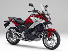 Honda apresentou duas novidades no Salão de Tóquio: a NC 750X e a CB 400X/500x, que é um modelo idêntico a 'nossa' CB 500X, apenas com cilindrada menor, comercializada no Japão. Na CB 500X/400X,um...