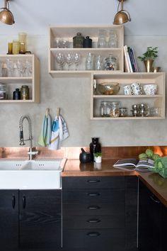 Svart och koppar i ljuv förening i köket - Sköna hem