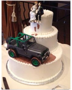 Ultimate Jeep Wedding Cake