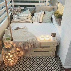 big bed small balcony deco - Home Deco - Balkon First Apartment, Apartment Living, Cozy Apartment, Apartment Ideas, Apartment Design, Living Rooms, Deco Design, Design Case, Design Design