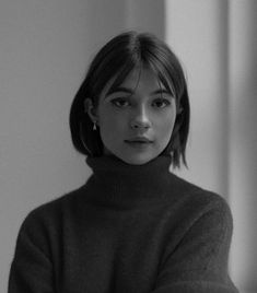 Short Hair With Bangs, Hairstyles With Bangs, Short Hair Cuts, Cool Hairstyles, Short Hsir, Hairstyle Short Hair, Popular Short Hairstyles, Hair Bangs, Short Blonde