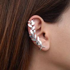Rose gold earring no piercing earring elf ear cuff earring rose gold ear cuff no piercing ear climber earring non pierced floral jewelry aretes Cuff Jewelry, Cuff Earrings, Rose Gold Earrings, Rose Gold Jewelry, Unique Earrings, Bridal Earrings, Clip On Earrings, Jewellery Box, Jewellery Making