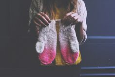 Poppytalk - The beautiful, the decayed and the handmade: Holiday 2012 from Ship & Shape Knit Mittens, Mitten Gloves, Diy Ombre, School Fashion, Needle And Thread, Dame, Knitwear, Knit Crochet, Fashion Beauty