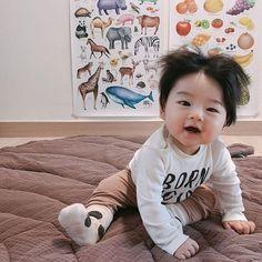 Cute Baby Boy, Cute Little Baby, Baby Kind, Little Babies, Cute Kids, Cute Asian Babies, Korean Babies, Asian Kids, Cute Baby Videos