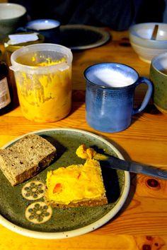 Süßer Kürbis-Erdnuss-Aufstrich und Kürbis-Erdnuss-Vanille-Pudding