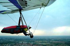 "Modern ""flexible"" wing hang glider"