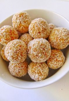 Sugar-free coconut and carrot balls, Food And Drinks, sugar-free coconut and carrot balls recipe Easy Cookie Recipes, Raw Food Recipes, Sweet Recipes, Cooking Recipes, Healthy Recipes, Gluten Free Desserts, Dairy Free Recipes, Healthy Desserts, Tortas Light