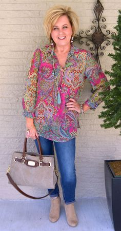 50 is not old how to wear bright colors 50 moda, bahar modası, sonbahar mod Womens Fashion Casual Summer, Over 50 Womens Fashion, 50 Fashion, Fashion Over 40, Women's Fashion Dresses, Look Fashion, Plus Size Fashion, Autumn Fashion, Fashion Trends