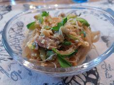 Asiatischen Glasnudelsalat mit frischem Thunfisch