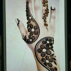 15 New Mehndi design Ideas For Beginners Henna Flower Designs, Simple Arabic Mehndi Designs, Latest Bridal Mehndi Designs, Modern Mehndi Designs, Mehndi Design Pictures, Mehndi Designs For Beginners, Mehndi Designs For Girls, Mehndi Designs For Fingers, Dulhan Mehndi Designs