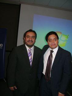 Pedro Flores y Freddie Armando Romero en el Seminario de Comunicación Digital 2010 en el Business Tower Lima Hotel.  Pedro Flores es profesor en ESAN de marketing electrónico, gerente de Serprovisa y director de la OIICE. Asimismo, dicta clases en la Universidad de San Martín de Porres.