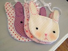 des bavoirs lapin Tempted to have a go and making these, will need another baby to go with it! Sewing For Kids, Baby Sewing, Diy For Kids, Baby Couture, Couture Sewing, Quilt Baby, Sewing Crafts, Sewing Projects, Somebunny Loves You