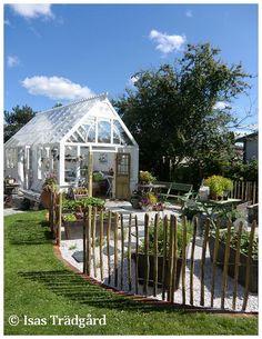Greenhouse and garden. Greenhouse Shed, Greenhouse Gardening, Garden Cottage, Garden Beds, Landscape Design, Garden Design, Outside Room, Outdoor Projects, Dream Garden