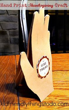 Praying Hands! What a great hand print craft for Thanksgiving! So sweet!