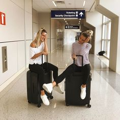 Bbf - travel - airplane - photo - airport - the best trip -- mejores amigas Cute Friend Pictures, Friend Photos, Bff Pics, Family Pictures, Best Friend Fotos, Insta Photo Ideas, Cute Friends, Friend Goals, Best Friends Forever