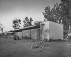 jonasgrossmann:julius shulman… richard neutra, goodman house, san bernardino ca, 1952 @ primo