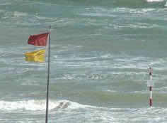 Sicurezza sulle spiagge. La segnalazione dei turisti a Marina di Pescoluse, Salve, Lecce