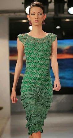 Vestido de Crochet Lilly Sarti (Crochet e moda) Form Crochet, Crochet Woman, Crochet Lace, Crochet Patterns, Vestidos Fashion, Dress Vestidos, Blouse Dress, Knit Dress, Dress Skirt