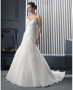 A-linie Schlichte Ausgefallene Brautkleider aus Organza mit Schleppe