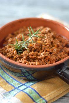 Ragù alla bolognese http://lapanciadellupo.blogspot.it/2014/01/ragu-alla-bolognese.html