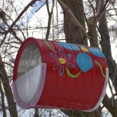 Do you love feeding birds? Making DIY crafts that are both fun & functional? Here are 20 fanciful DIY bird feeders to pep up your yard & fill up the birds. Formula Cans, Diy Bird Feeder, Easy Coffee, Pretty Birds, Paint Cans, Decor Crafts, Diy Crafts, Coffee Cans, Bird Houses