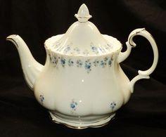 Royal Albert England Memory Lane Large Tea Pot Teapot