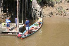 Passeio de barcos pelo Rio Amazonas