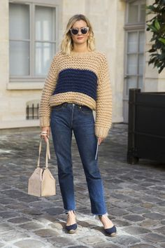 2015 thanksgiving holiday outfit ideas chunky sweater jeans square