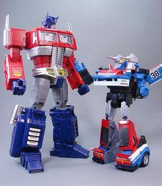 Transformers Masterpiece MP-19 Smokescreen with MP-10 Convoy (Optimus Prime)