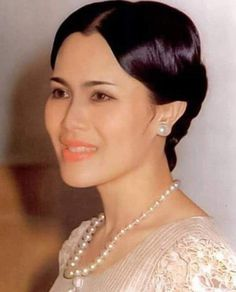 Her Majesty Queen Sirikit Of Thailand King Phumipol, King Rama 9, King Of Kings, King Queen, Hm The Queen, Her Majesty The Queen, King Thailand, Royal King, Queen Sirikit