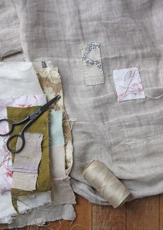 Excellent Photographs hand sewing mending Strategies extreme mending, sledding lambs and the 100 day project – ann wood handmade Sewing Hacks, Sewing Projects, Ann Wood, Visible Mending, Make Do And Mend, Old Clothes, Clothes Crafts, Make Your Own Clothes, Darning