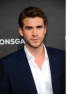 29 times Liam Hemsworth was sexier than Chris Hemsworth When he rocked this scruff and made you love the scruff. Liam Hamsworth, Hemsworth Brothers, Andrew Christian, Big Sean, Catching Fire, Celebrity Dads, Hugh Jackman, Celebs, Celebrities